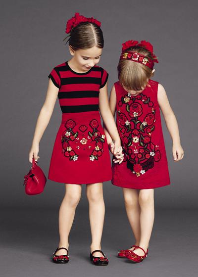 انتخاب لباس برای دختر بچه ها