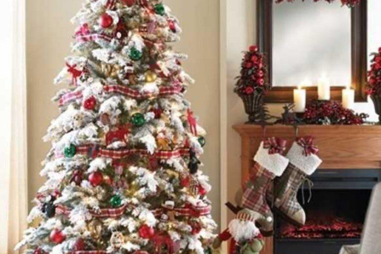 تزیین درخت کریسمس2018