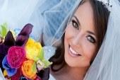 دسته گل های رنگی برای عروس خانم ها ایرانی