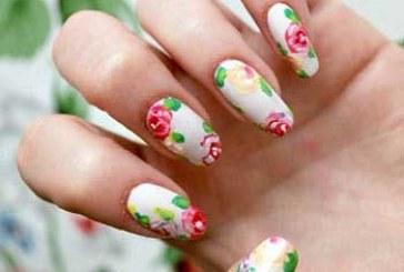 طرحهای گلدار ناخن