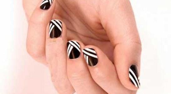 مدل طراحی ناخن با رنگ سیاه و سفید