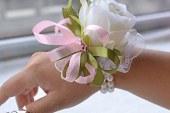 مدل گل مچ دست ساقدوش عروس ۲۰۱۷