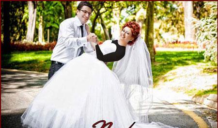 ژست عروس و داماد برای عکس گرفتن