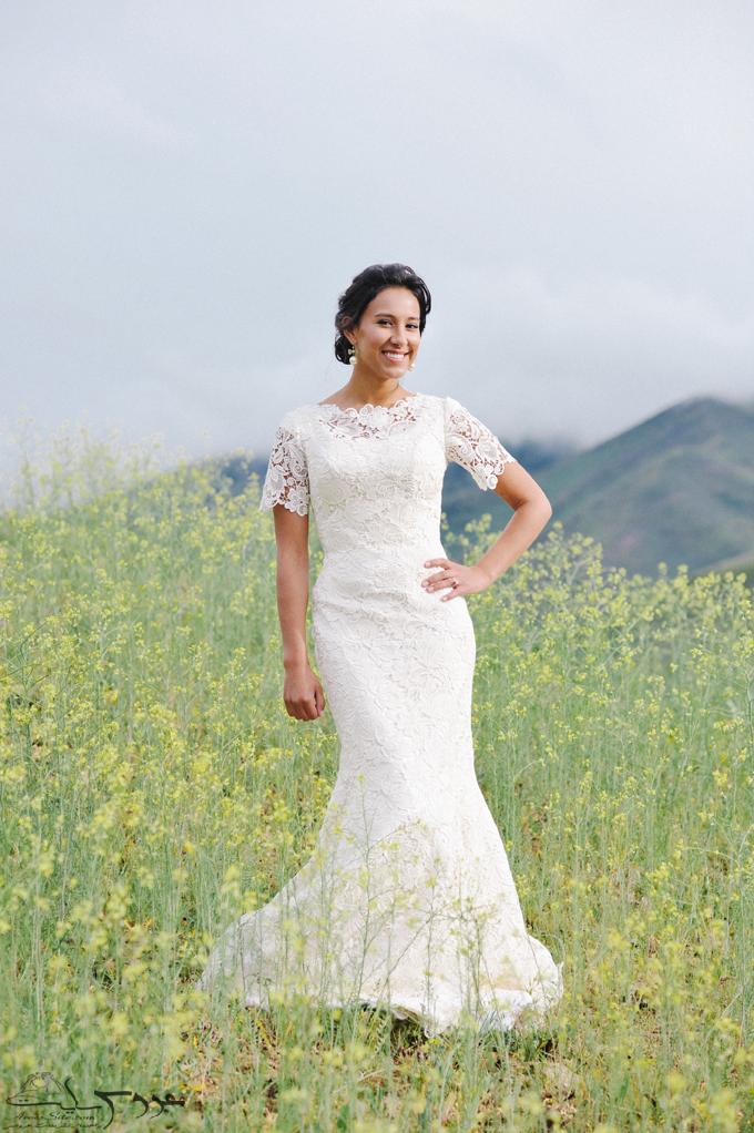 عکس عروس ایرانی با مدل لباس و ژست عکاسی عروس
