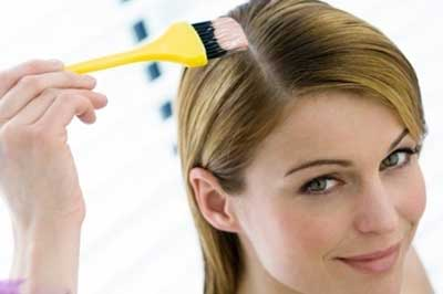 چگونه با مواد طبیعی رنگ موهای عروس را روشن کنیم