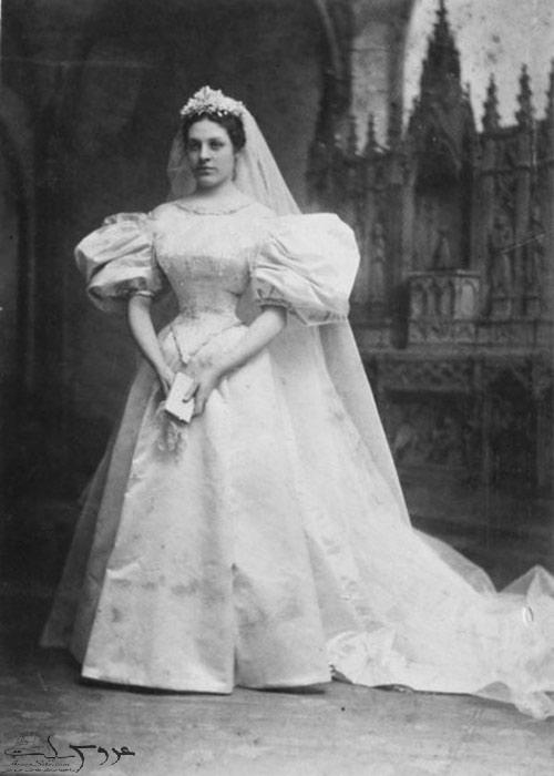 لباس عروسی که 11 نسل را به خانه بخت فرستاد +عکس